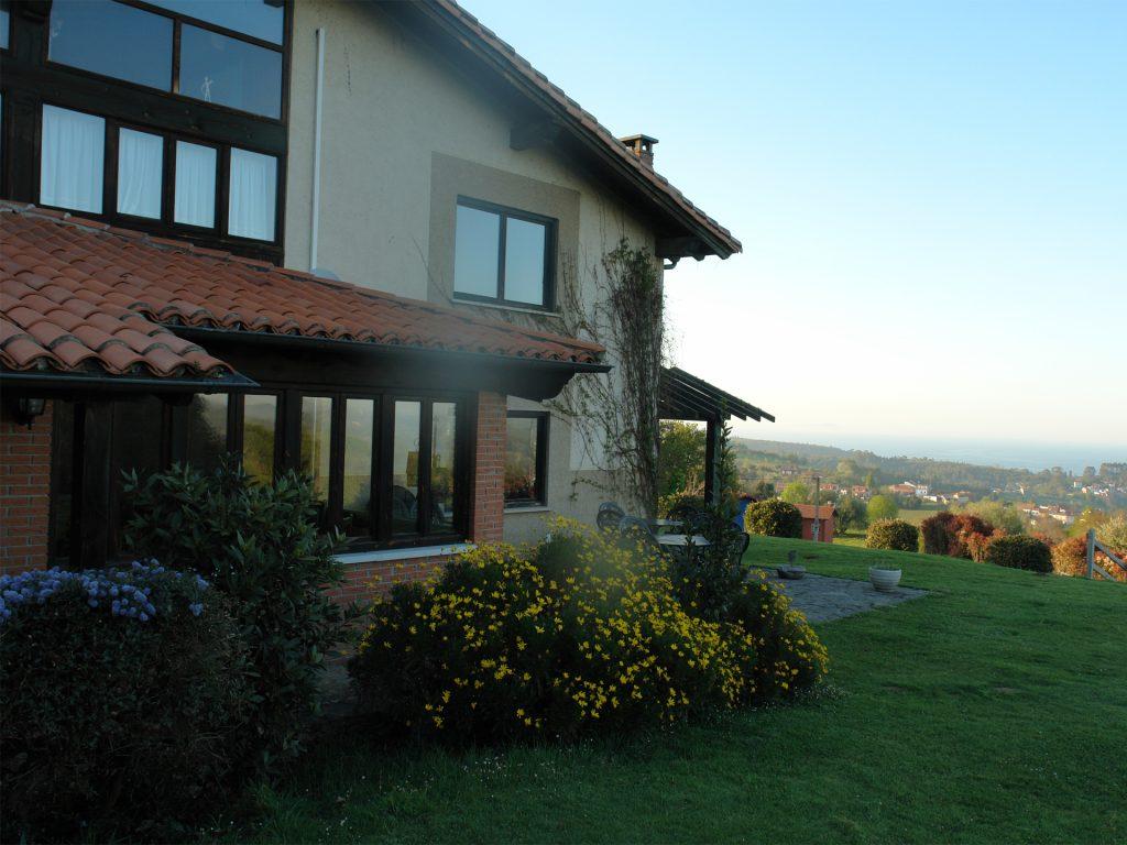Paraje del Asturcón Ribadesella - Zona exterior del hotel