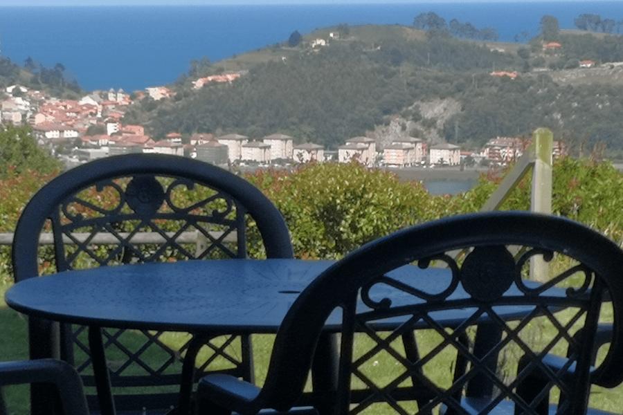 terraza hotel paraje del asturcon